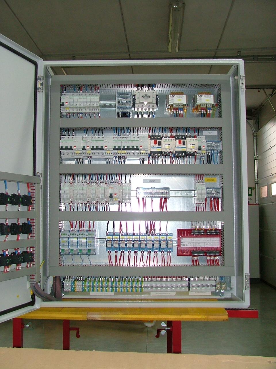 Schema Cablaggio Lan : Elettrici impianti elettrica civili reti mt bt lan electrician m